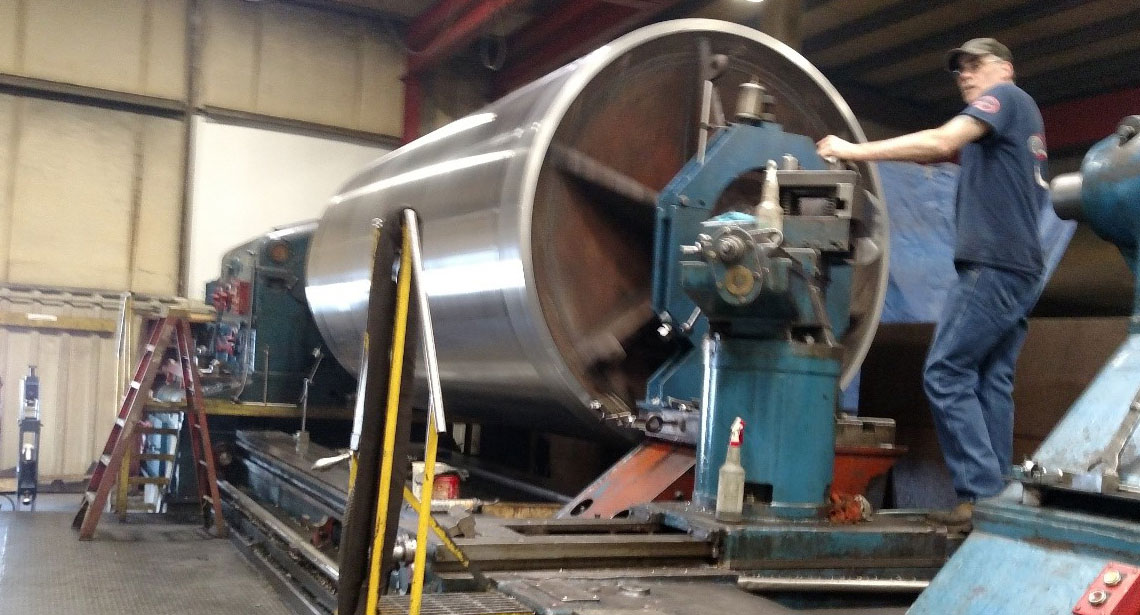large-diameter-metal-turning-photo-1